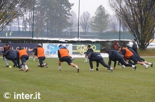 Photos: rainy training session
