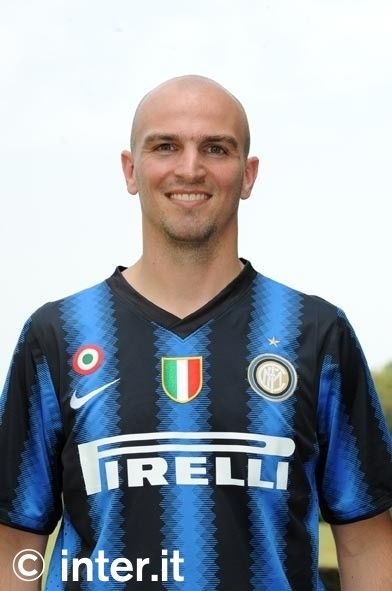 Inter, Nike unveil new home shirt for 2010/11