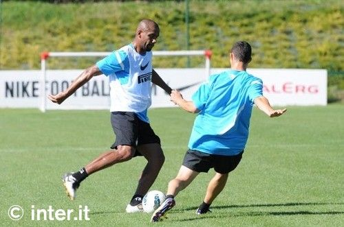 Photos: looking ahead to Bologna... with Maicon