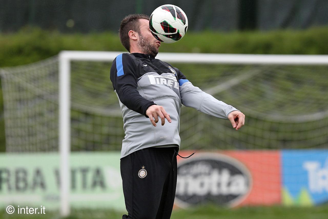 Cassano back training in Appiano Gentile