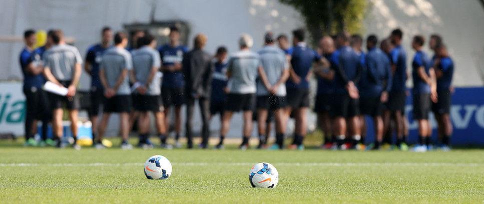 Milan-Inter, 23 giocatori convocati da Walter Mazzarri