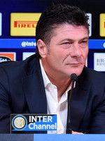 """Mazzarri """"Lo dico sempre ai ragazzi, giochiamo da Inter!"""""""