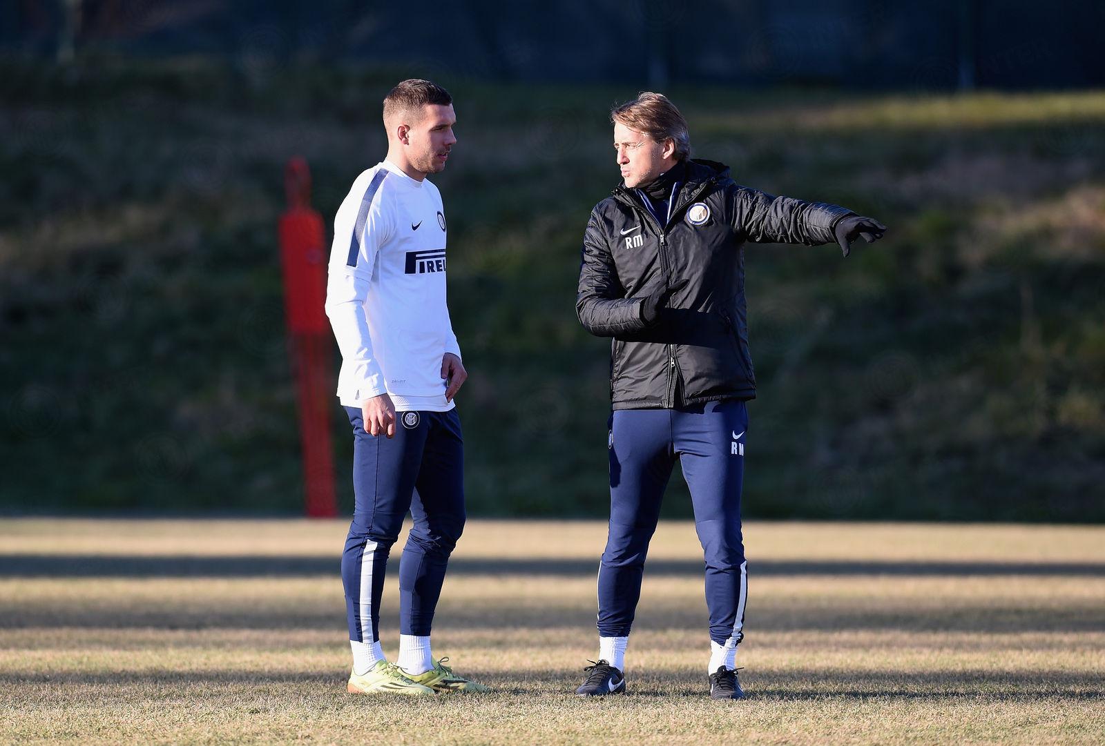 Podolski joins squad for training ahead of Juve clash