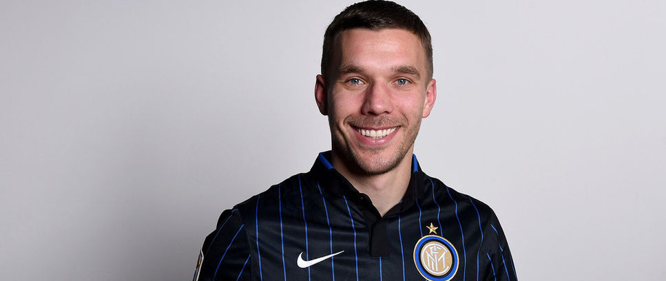 Lukas Podolski completes Inter switch