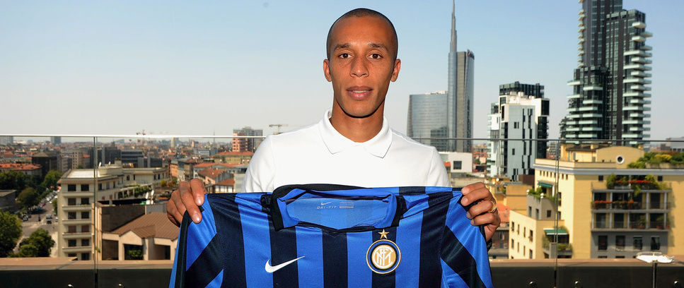 Miranda joins Inter!