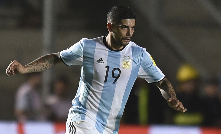 Banega helps Argentina defeat Brazil