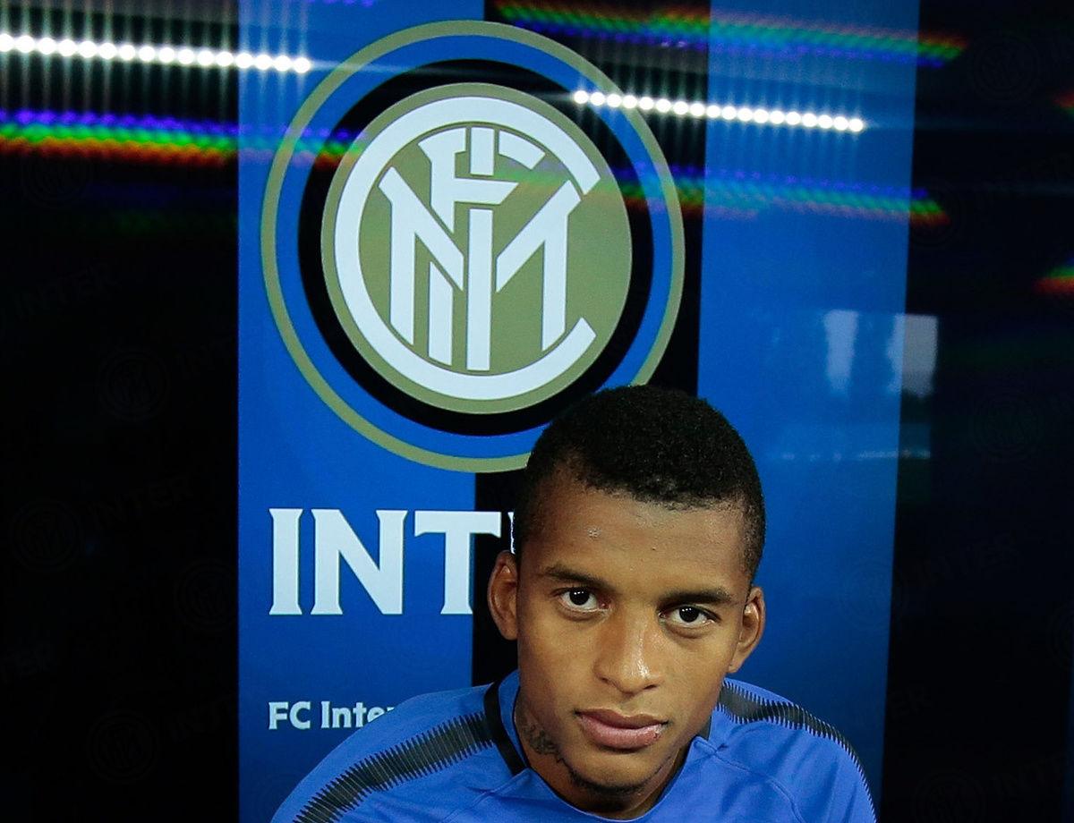 "Dalbert: ""Saya bekerja keras untuk bermain di klub seperti Inter"""