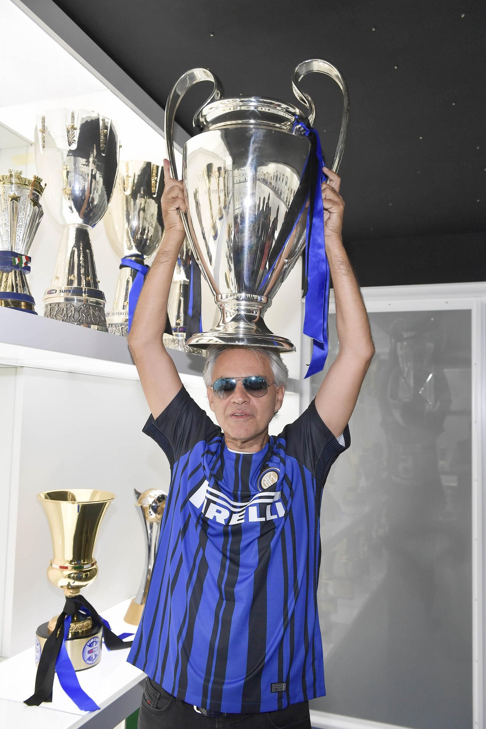 Andrea Bocelli visita al Inter