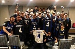 サネッティがグアテマラのインテルクラブを訪問