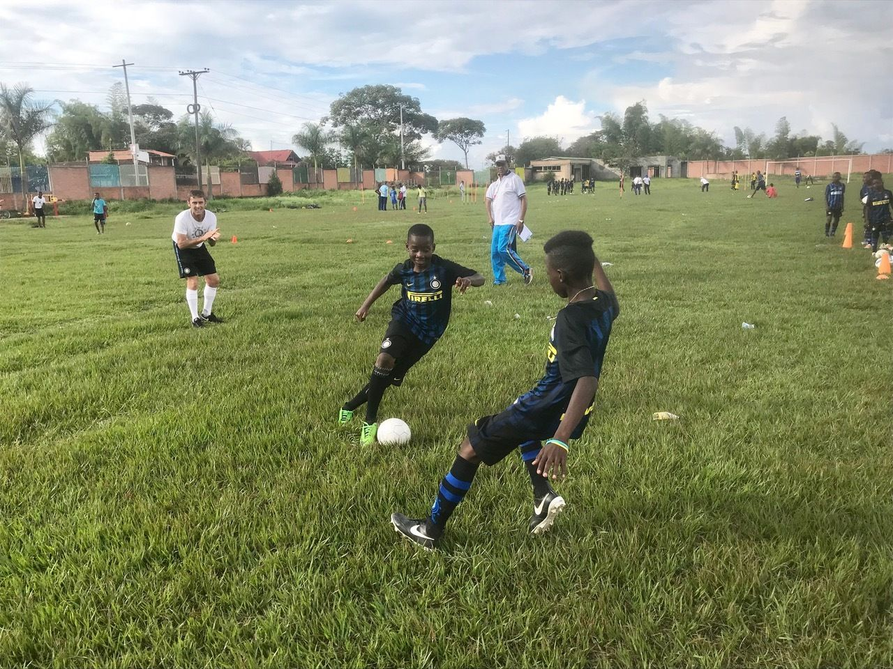 Inter Campus Colombia: Pitches, families and university