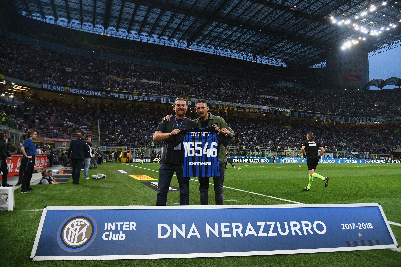 Materazzi a San Siro con soci Inter Club da tutto il mondo