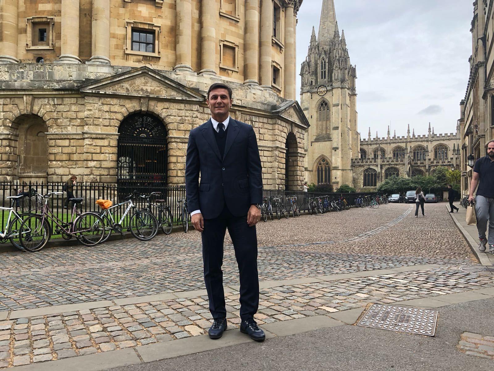 Javier Zanetti visits Lincoln College in Oxford