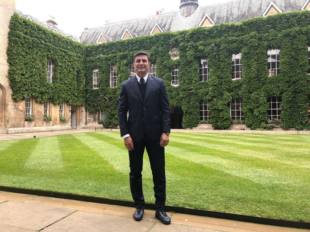 Javier Zanetti visits Lincoln College in Oxford
