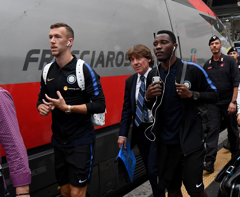 国际米兰全队启程前往博洛尼亚