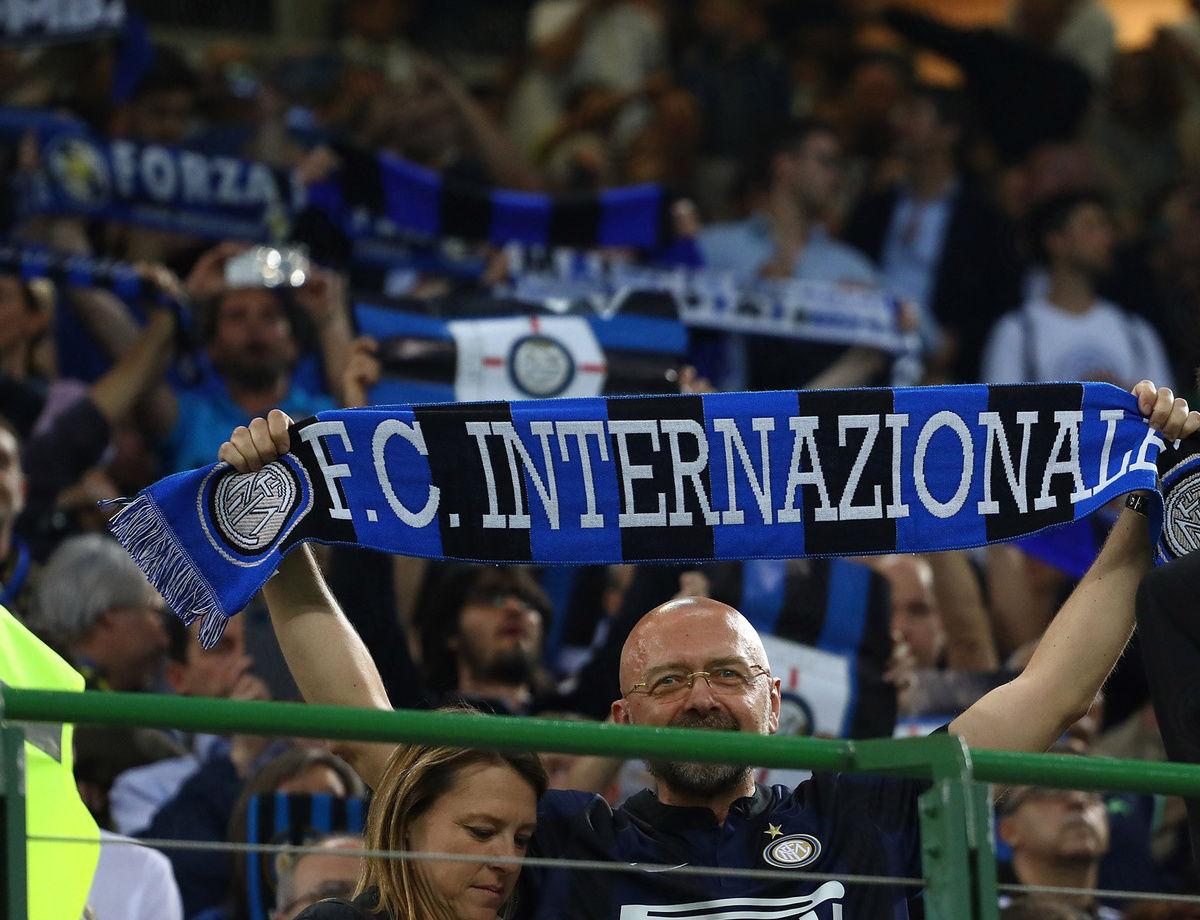 Inter-Genoa, su la sciarpa!
