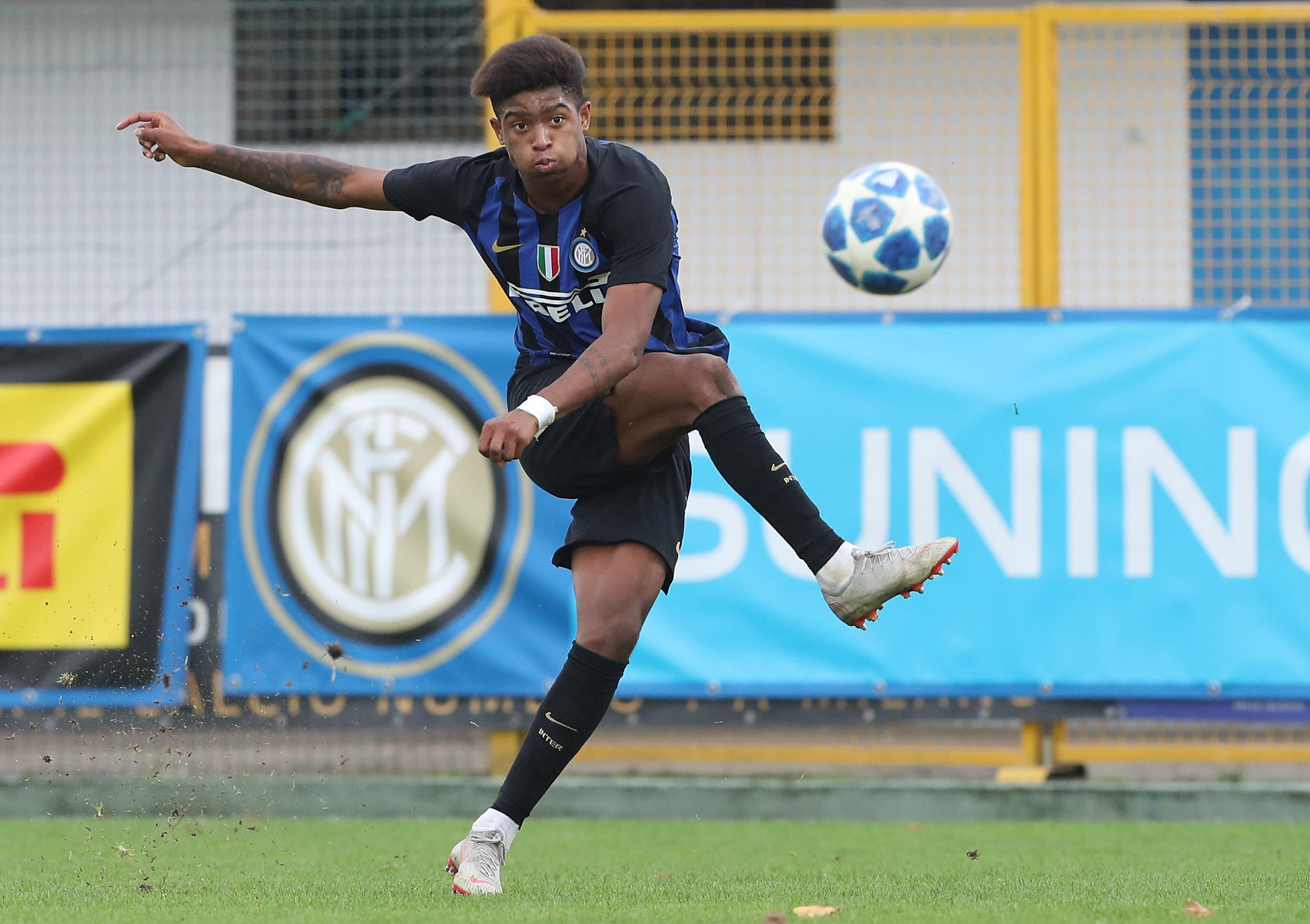 Photos from Inter vs. Barcelona on matchday 4 of the 18-19 UEFA Youth League