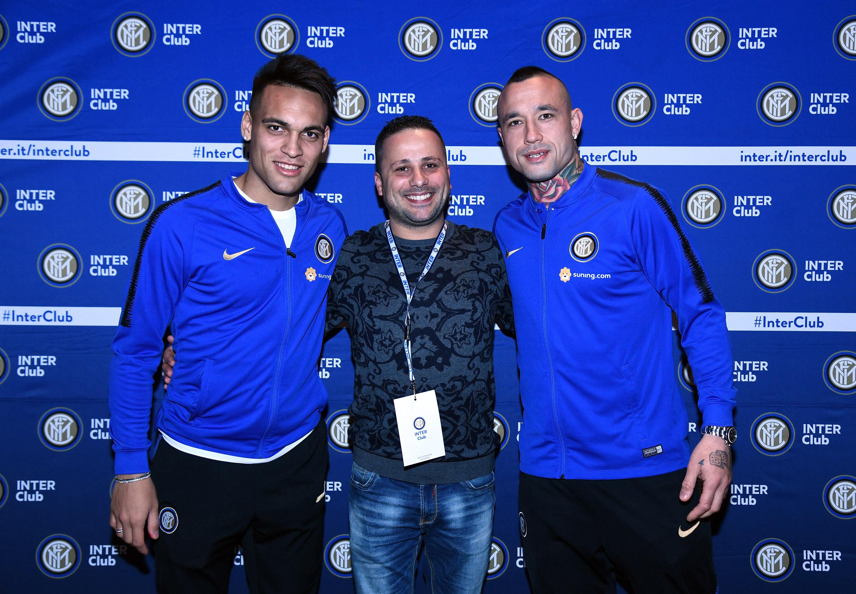 Lautaro and Nainggolan meet with Inter Club members in Sardinia