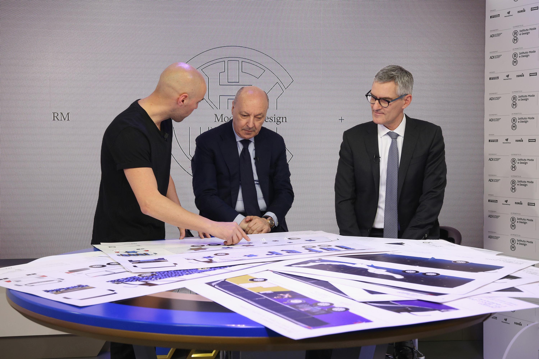 Design for Sport、チームバスの応募作品が審査員に提出された