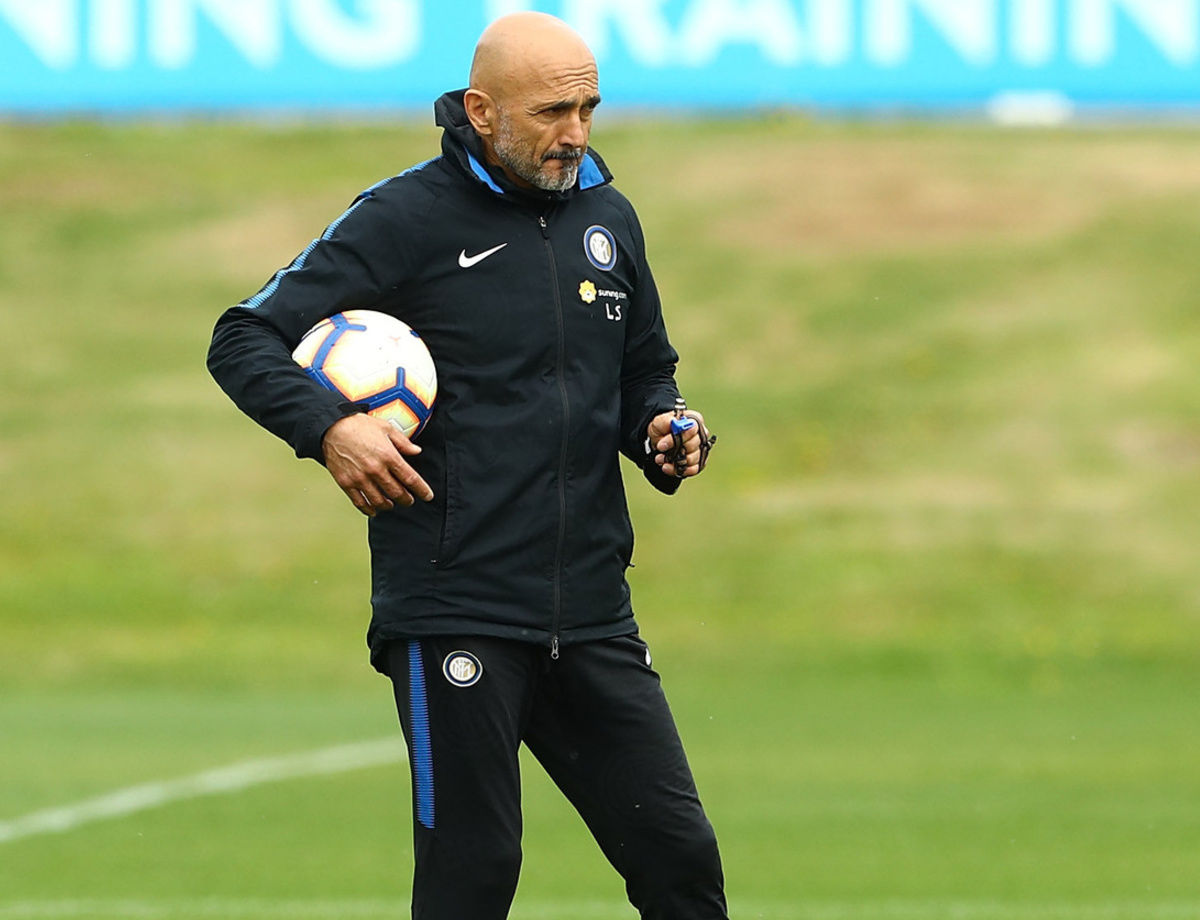 Team at work at Appiano Gentile two days ahead of Inter vs. ChievoVerona