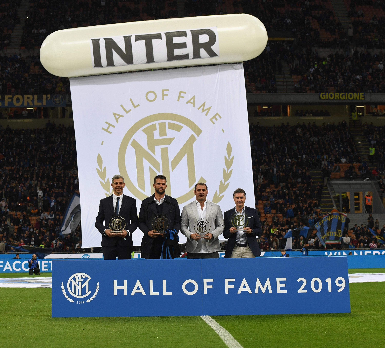 foto premiazione inter hall of fame 2019 toldo facchetti stankovic meazza