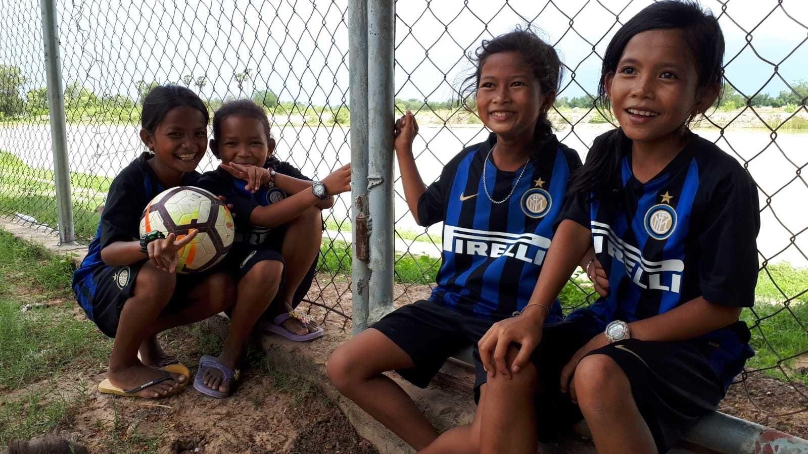 Educazione e sport nel villaggio di Roong