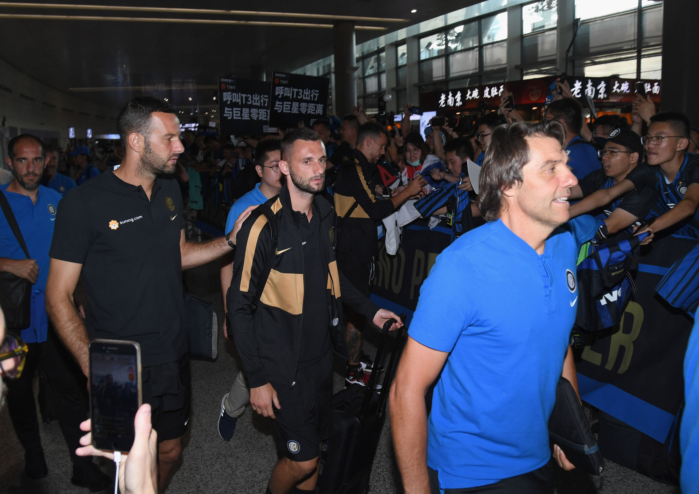 インテル・サマーツアー:ネラッズーリが南京市に到着
