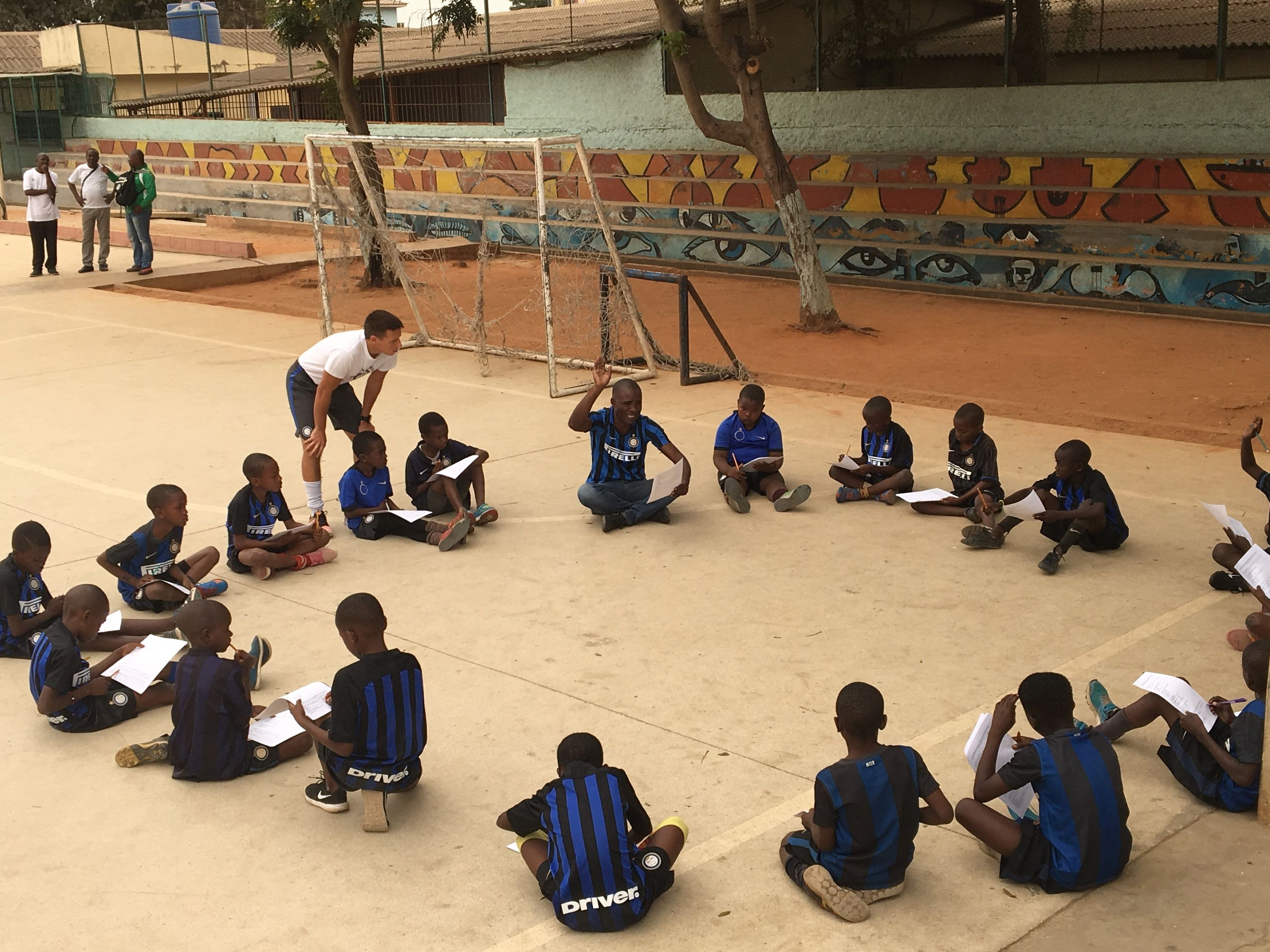 Angola: Different generations come together with the children's future in mind