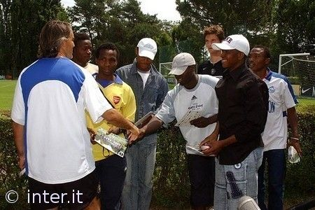 MARTINS MEETS NIGERIAN FRIENDS