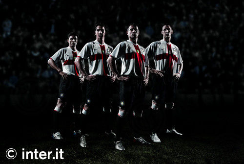 """Foto: la maglia Nike """"away"""" per il centenario"""
